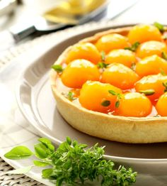 Certainly the Perfect way to Beat the Heat: Cantaloupe Pie with Fresh Goat Cheese. Summer is in the air or should we say plate! Quick And Easy Appetizers, Easy Appetizer Recipes, Dessert Recipes, Pie Dessert, Cantaloupe Recipes, Radish Recipes, Easy Tart Recipes, Mulberry Recipes, Kitchens