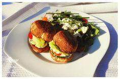 RAW BURGER S KEČUPEM/TATARKOU #burger #raw #kečup #tatarka