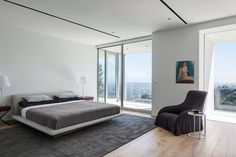 House at Sunset Plaza Drive in West Hollywood, Los Angeles Design Your Bedroom, Home Decor Bedroom, Modern Bedroom, Bedroom Ideas, Drive In, Downtown Los Angeles, West Hollywood, Santa Monica, Pastel Room
