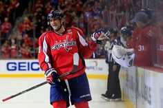 5f4cd9304 Ovechkin Holtby help Capitals to shootout win over Leafs