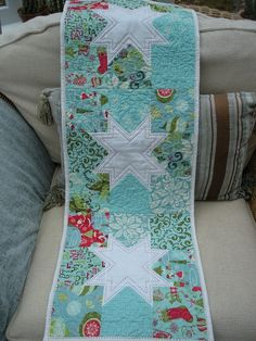 12 Days of Christmas runner (posted to Flickr by madaboutcrafts).