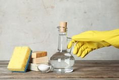 How To Do House Cleaning With Vinegar And Baking Soda? Vinegar Uses, Vinegar And Water, Baking Soda Cleaning, Toilet Cleaning, Spring Cleaning Schedules, Weekly Cleaning, Multi Usage, Grease Stains, Remove Stains
