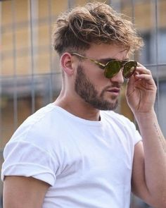 mens hairstyles at home Blonde Jungs, Medium Hair Styles, Curly Hair Styles, Wavy Hair Men, New Hair Do, Trending Haircuts, Fade Haircut, Haircut Men, Grunge Hair