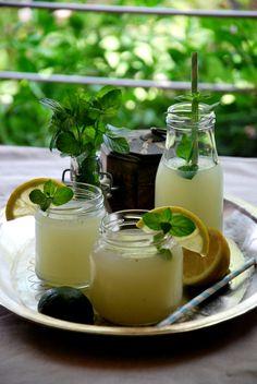 Limonada de limón, lima y menta. Sin azúcar