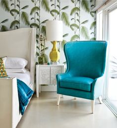 Bedroom with turquoise chair, palm wallpaper, yellow lamp por SarahKaron House Of Turquoise, Turquoise Furniture, Turquoise Room, Yellow Turquoise, Tropical Bedrooms, Tropical Home Decor, Tropical Interior, Tropical Furniture