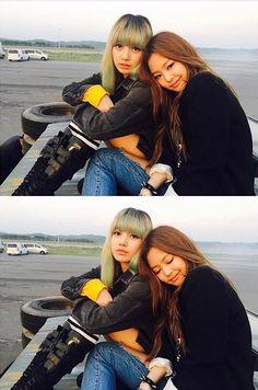Jennie & Lisa BlackPink