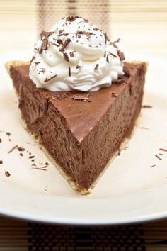 No Bake 4 Ingredient Nutella Cheesecake Pie