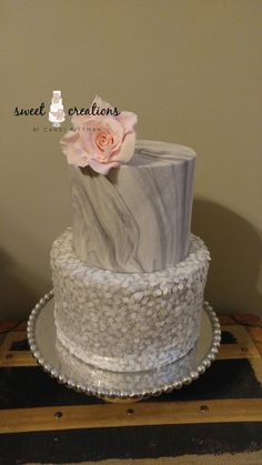 Sugar rose marbled fondant wafer paper sequins #sweetcreationsbycandi