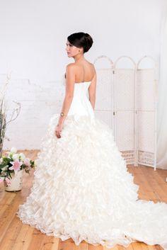 #wedding #photography #girl #WhiteDress #WeddingDress #StudioPhotography #Beautiful