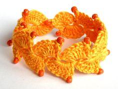 Golden Heart Crafts: Bracelet - Crocheted Golden Yellow, Brooches and Bracelets Diy Crochet, Crochet Hooks, Golden Heart, Heart Crafts, Golden Yellow, Crochet Accessories, Crochet Earrings, Elegant, Bracelets