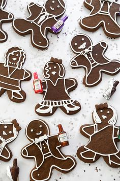Cocktail Party Gingerbread Folk | Sprinkle Bakes