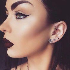 Contour on Fleek! @emzeloid  #hudabeauty (instagram) | Dark Lipstick + Cat Eye  #makeup