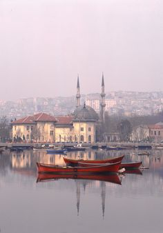 De Holden Horn, a deep estuary separating de old n new parts Istanbul, Hocapasa Ave, Marmara_ Turkey