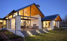 Wanaka House by Mason & Wales Architects Exterior Tradicional, Clerestory Windows, Contemporary Architecture, Home Fashion, Exterior Design, Modern Farmhouse, Outdoor Living, House Plans, New Homes