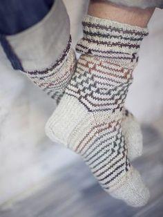 Novita wool socks, Mens fishbone socks made with Novita 7 Brothers yarn - Super knitting Wool Socks, Knitting Socks, Hand Knitting, Knitting Patterns, Bed Socks, Men's Socks, Fishnet Socks, Men In Heels, Boot Toppers