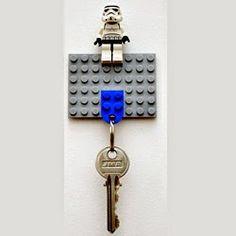 la reines blog: Schlüsselbrett mit Schlüsselanhänger aus LEGO
