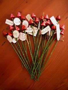 Hershey kisses roses - great idea to give husband a bouquet.  Surprise him!