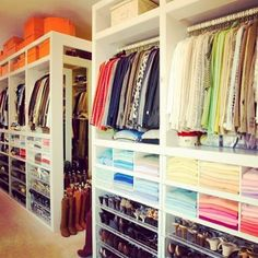 Gorgeous! #dream #closet #yesplease #owningwell Reposted Via @doneanddonehome