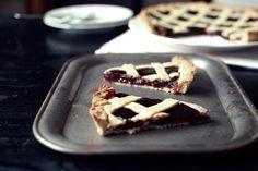 FoodLover: Mřížkový linecký koláč Vegan Desserts, Waffles, Breakfast, Sweet, Party, Food, Morning Coffee, Candy, Essen