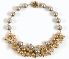Dazzle everyone with your handmade pearl bridal jewelry using this free pearl bridal jewelry necklace! Beaded Wedding Jewelry, Handmade Wedding Jewellery, Beaded Jewelry Designs, Jewelry Trends, Bridal Jewelry, Bridal Necklace, Handmade Jewelry, Beaded Necklace, Stylish Jewelry