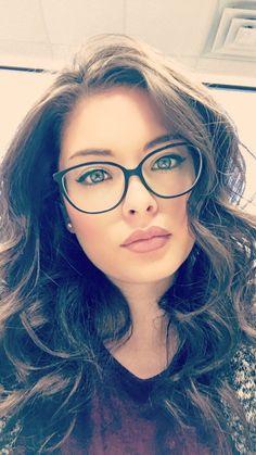 20 Cute Girls Wearing Glasses Ideas To Try - beauty - Brille Cute Glasses, New Glasses, Girls With Glasses, Glasses Frames, Makeup With Glasses, Girl Glasses, Glasses Style, Ladies Glasses, Glasses Online