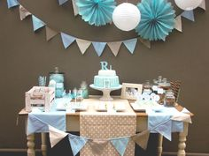 @Mackenzie Vogt - do you like something like this in pink and green for your dessert table?