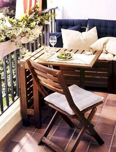 Cozy Small Balcony Design an Decorating Ideas (48)