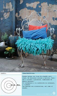 ALMOHADON TIPO FUNDA PARA SILLA, SILLON, O BANCO. hecho con material reciclado Textiles, Home Deco, Diy Ideas, Patio, Crochet, Gardens, Pom Poms, Cape Clothing, Tela