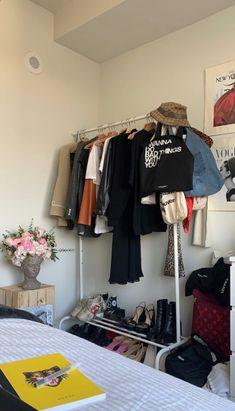 Cate Blanchett Poses for Koray Birand in Harpers Bazaar China Shoot Room Ideas Bedroom, Bedroom Inspo, Bedroom Decor, Decorating Bedrooms, Bedroom Signs, Bedroom Rustic, Teen Bedroom, Master Bedrooms, Bedroom Inspiration