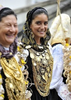 romaria da nossa senhora da agonía - Pesquisa do Google Portuguese Culture, Kids Study, Spain And Portugal, Costumes, People, Beautiful, Europe, Women, Fashion