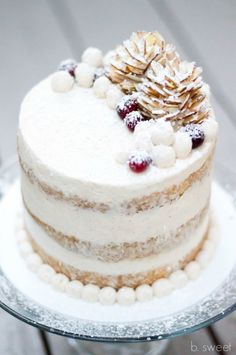 Decorate your Christmas (or just winter) cake with pinecones made of sliced almonds