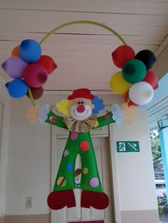 Palhaço em eva 2D no Elo7 | Artes e Mimos Jaine (CA79B3) Circus Theme Decorations, Paper Christmas Decorations, Carnival Themes, School Decorations, Party Themes, Christmas Ornaments, Carnival Themed Party, Carnival Birthday Parties, Circus Birthday