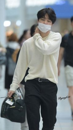 Jimin/ i love that sweater i want it