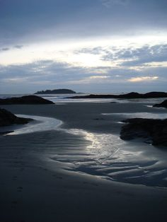 Chesterman Beach, Tofino, Vancouver Island - So beautiful Best Places To Travel, Places To See, Beautiful World, Beautiful Places, Places Around The World, Around The Worlds, Victoria Vancouver Island, Sea Photo, Canada