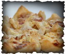 Makkelijk te maken succes-hapjes voor elk feestje! Nodig: een muffinvorm Bereiding: Je snijdt 1 plakje bladerdeeg in 4 stukjes en doet deze stukjes in de muffinvorm (tevoren invetten!). Dus met 3...