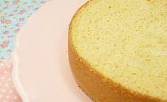 Hoje vocês vão aprender uma receita que é base para muitos bolos, e que é uma delícia e muuuuito fácil de fazer, Pão de Ló!!