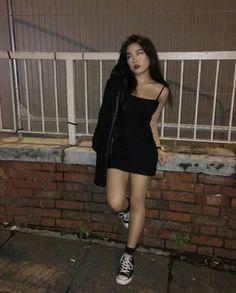 Korean Fashion – How to Dress up Korean Style – Designer Fashion Tips Adrette Outfits, Skater Girl Outfits, Teen Fashion Outfits, Cute Casual Outfits, Girl Fashion, Fashion Ideas, Concert Outfits, Spring Outfits, Concert Outfit Winter