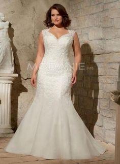 Robe de mariée grande taille en chiffon avec un col en coeur