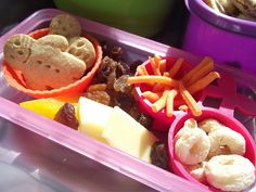 Easy Ideas for toddler lunchboxes - Mummy Musings and Mayhem Easy Snacks For Kids, Healthy Kids, Kid Snacks, Toddler Meals, Kids Meals, Toddler Recipes, Toddler Food, Lunch To Go, Lunch Box