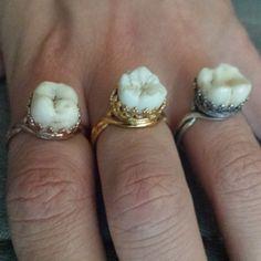 Sweet Tooth Ring par ExtolloJewelry sur Etsy