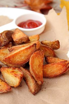 Crispy wedge potatoes!  Probably one of the world's favourite ingredients - the potato. by Adventuress Heart, via Flickr
