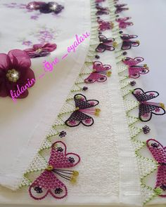 Crochet Pincushion - Bag made of knitted yarn with lavish pillows Needle Tatting, Tatting Lace, Needle Lace, Baby Knitting Patterns, Smocking Patterns, Embroidery Stitches, Hand Embroidery, Caron One Pound Yarn, Crochet Pincushion