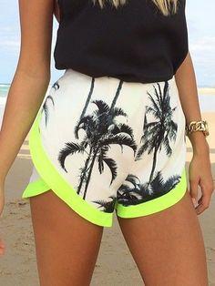 Shop White Coconut Tree Print High Waist Contrast Hem Shorts from choies.com .Free shipping Worldwide.$8.11