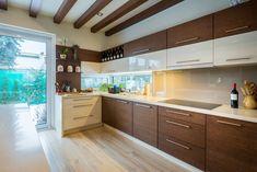 Klikk ide: bezárás, klikk + nyomva tart: áthelyezés. Bal / jobb nyíl: előző / következő kép Kitchen Dinning Room, 1970s Kitchen, Kitchen Cabinets, Storage, House, Design, Home Decor, Style, Halo