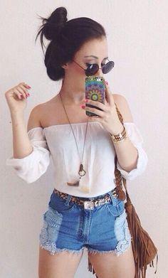 Blusa branca + Short jeans