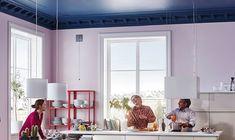 Casafacile - Va in scena la 'quinta parete': con il colore il soffitto diventa protagonista. Dipingi il soffitto e cambierà la percezione di tutta la stanza.