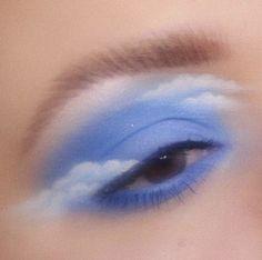 eye makeup art in hand \ eye makeup on hand art ; eye makeup art in hand Makeup Eye Looks, Eye Makeup Art, Hooded Eye Makeup, Cute Makeup, Pretty Makeup, Skin Makeup, Eyeshadow Makeup, Angel Makeup, Beauty Makeup
