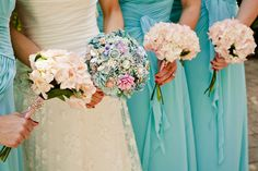 Sweet Southern Maritime Wedding Complete With Brooch Bouquet, Trolley Ride, & Family Love | Storyboard Wedding