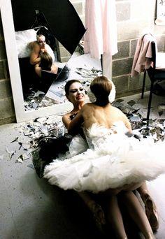 Black Swan Darren Aronofsky Movies, Movies Showing, Movies And Tv Shows, Swan Quotes, Black Swan 2010, Nathalie Portman, Ballet Companies, Jungkook Cute, Oscar Winners