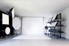 18 Trendy fashion photography studio interior - New Deko Sites Photography Studio Spaces, Photography Lighting Setup, Photography Office, Fashion Photography, Photography Outfits, Photography School, Photography Studios, Lighting Setups, Photography Accessories